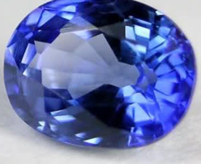 Maura Luperto – Riflessioni – La magia delle pietre ZAFFIRO AZZURRO.